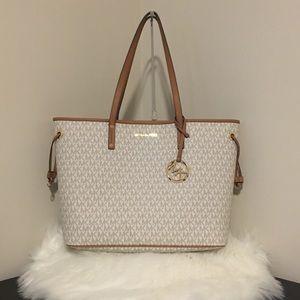 fa628b457b Michael Kors Bags - 2pcs Michael Kors Vanilla large carry all LV purse